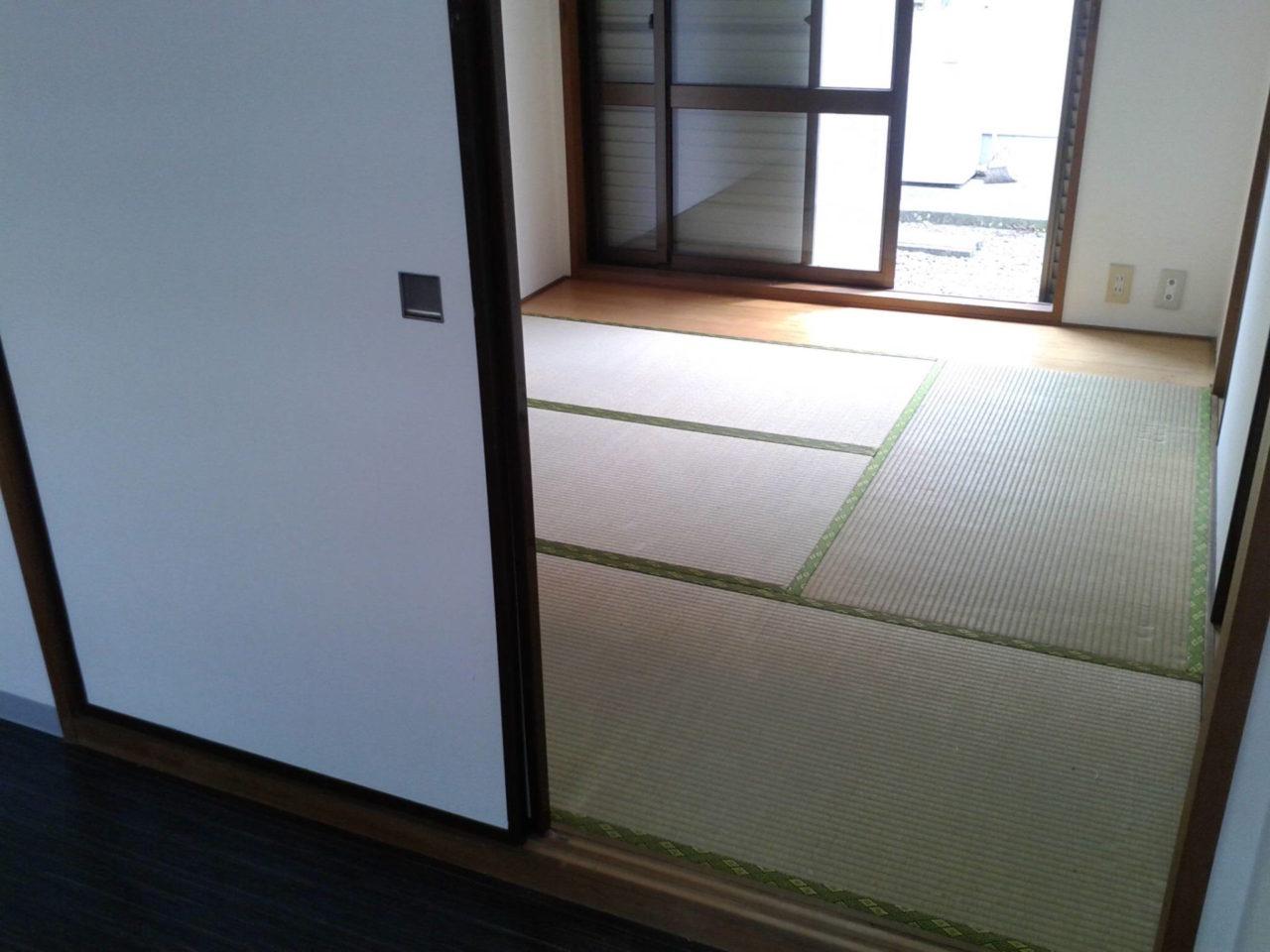 畳から床クッションフロアへ 扉交換 作業前